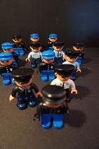 Duplo Polizist - 2 Stück (wahllos)