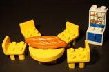 Duplo Tisch mit Stühlen, Schrank und Zubehör
