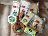 verschiedene  Käsesorten und Butter aus dem Hofladen von Lamparters Landhof - einfach auswählen