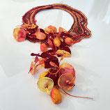 Blumenkollier Seide rot/Gelb/braun