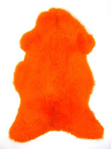 Peau de mouton teintée orange