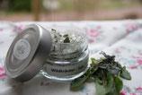 Wildkräuter und -blüten-Salz