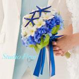 ブルーのスターフィッシュとプルメリアのクラッチブーケ(造花ブーケ)