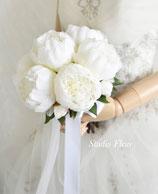 白いシャクヤクのグランブーケ(造花クラッチブーケ)