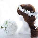 純白アジサイとカスミソウのクラッチブーケ&花冠のセット(造花)
