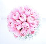 キュートなピンクのチューリップとカスミソウのクラッチブーケ(造花ブーケ)