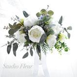 ホワイト・シャクヤクのラスティック・クラッチブーケ(造花ブーケ)