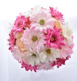 ピンクのガーベラブーケ(花冠+ブトニアの3点セット)