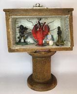 "Storytelling-Box ""red monument"" (Mini-Schublade 5x7 cm)"
