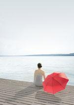 Postkarte: Der rote Sonnenschirm