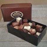 Boîte de 100 bonbons de chocolat environ 1 Kg