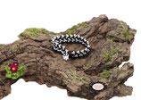 Bracelet au crochet Aerin simple rang, coton Oeko-Tex noir et Rocailles de Bohème blanches