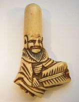 2287 Netsuke Katabori 形彫 Fukurokuju mit Fächer