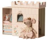 Maileg muis prinses op de erwt in kasteel