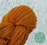 Naturgefärbtes Strickgarn orange (111)
