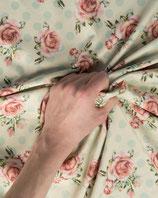 Jerseystoff romantisches Muster Rosen & Punkte
