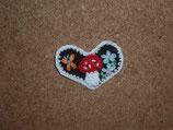 Applikation Herz mit Pilz und Schmetterling