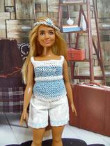 Short blanc et haut bleu et blanc pour Barbie ronde