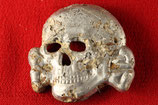 SS Officer Dead Head cap badge