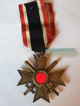 Kriegsverdienstkreuz mit Schwerter 2. Klasse - mit Bandabschnitt Hst. 6