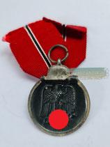 Medaille Winterschlacht im Osten 1941/42 mit Bandabschnitt (6)