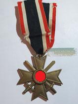 Kriegsverdienstkreuz 2. Klasse mit Schwertern und Bandabschnitt (3)