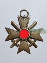 """Kriegsverdienstkreuz mit Schwerter 2. Klasse - Hst. 45 """"Zwei Punzen"""""""