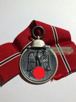 VERKAUFT!!! Medaille Winterschlacht im Osten 1941/42 mit Bandabschnitt - Hst. 65
