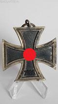 Eisernes Kreuz  2. Klasse - Runde 3 mit Sockel