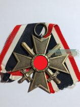 Kriegsverdienstkreuz mit Schwerter 2. Klasse - Hst. 4
