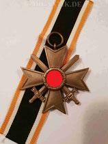 Kriegsverdienstkreuz 2. Klasse mit Schwertern und Band