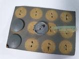 Knopf - 3x Knopf Feldbluse WH auf  Verkaufspappe