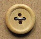 Bouton bois buis 4 trous, plat bord ourlé, 13 mm