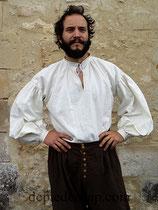 Chemise XVIIème à col droit et broderies