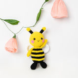Material-Pack F6 - Biene  - RICO Crochet Along Spring