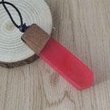 Kette mit Holz