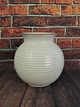 Bauchige, kannelierte Vase