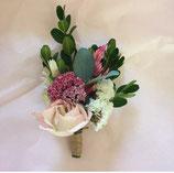 Boutonniere  (en fleurs séchées à partir de mi-juillet)