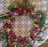 Grande couronne murale, fleurs séchées (à partir de mi-juillet).