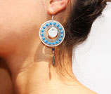 """Boucles d'oreille """"Romance"""" plaqué argent, cuir tissé bleu, cercle argenté"""