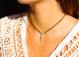 """collier """"POKA"""", lanière de cuir et plume argent"""