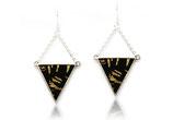 """boucles d'oreille géométriques """"triangle réversible"""" cuir noir aux reflets dorés et champagne"""