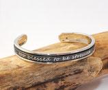 Bracelet jonc argenté 5 mm en cuir argenté à message