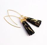 boucles d'oreille pompon de cuir noir et doré, plaqué or