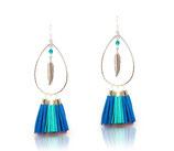 """Boucles d'oreilles """"gipsy"""" pompons de bleu électrique et turquoise,  plume argent"""