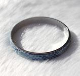 Bracelet bangle argenté et cuir bleu serpent