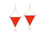 """boucles d'oreille géométriques """"triangle réversible"""" cuir rouge vermillon et bleu, plaqué argent"""