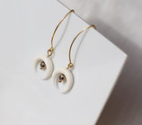 "Boucles d'oreille ""Nokomis"" long crochet or, os blanc, pyrite"