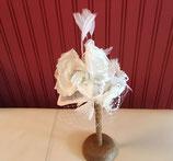 eleganter Hochzeits Fascinator, Sinamay Teardrop, Schleier, Blüten, Perlen, Tauben