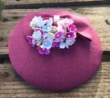 Vergissmeinnicht Hütchen violett mit Schleife